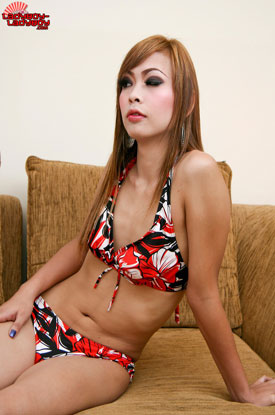 Ge on Ladyboy-Ladyboy!