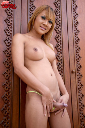 Yo on Ladyboy-Ladyboy!
