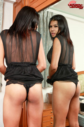 t emmy lblb 01 Cute Dimples And Asses Too On Ladyboy Ladyboy!