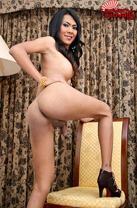 t aum ladyboy ladyboy 03 Ladyboy Aum In And Out Of Pink On Ladyboy Ladyboy!