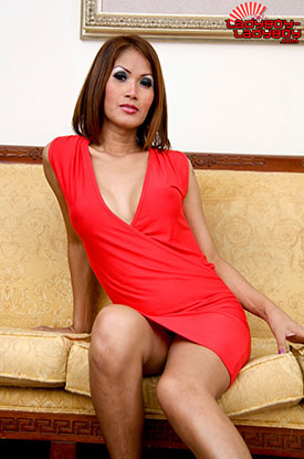 t ladyboy tu ladyboy ladyboy 01 See Up Ladyboy Tus Dress On Ladyboy Ladyboy!