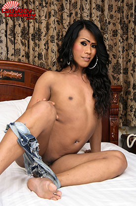 t misty ladyboy ladyboy 03 Ladyboy Misty Falls Out Of Her Shorts On Ladyboy Ladyboy!