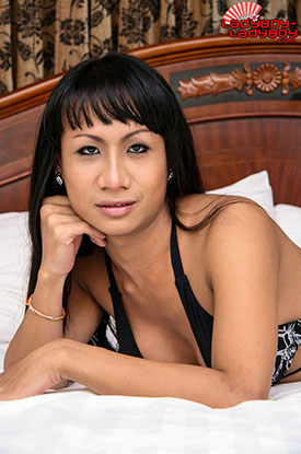 t um ladyboy ladyboy 01 Ladyboy Ums Beautiful Coffee Eyes On Ladyboy Ladyboy!