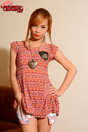 Ladyboy-Ladyboy Blog presents Ladyboy Minnie!