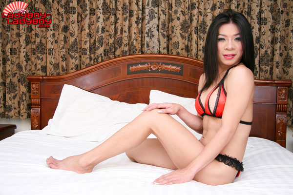 t ladyboy cindy ladyboy ladyboy 01 Ladyboy Cindy In Red And Black On Ladyboy Ladyboy!