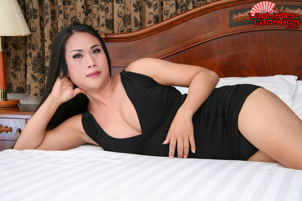 Ladyboy-Ladyboy Blog presents Ladyboy Tom!