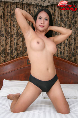t ladyboy tom ladyboy ladyboy 02 Ladyboy Tom In Little Black Dress On Ladyboy Ladyboy!